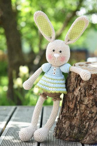 frilly pants bunny pattern (1)