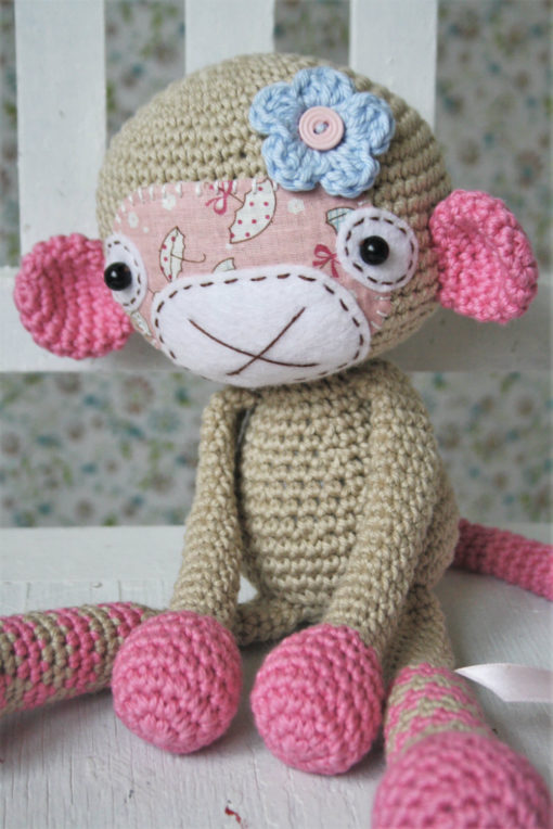 amigurumi monkey girl