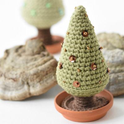 Amigurumi Christmas tree | Free crochet pattern | lilleliis
