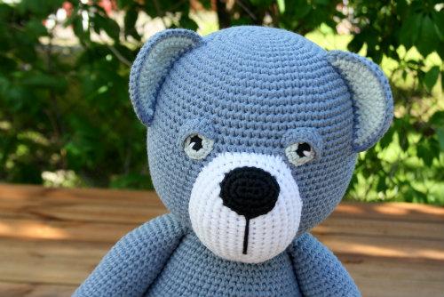 Crochet plush teddy bear pattern | Amiguroom Toys | 334x500
