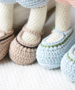 crochet slippers with carrot buttons