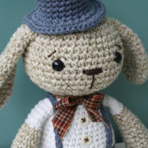 crochet bunny with hat