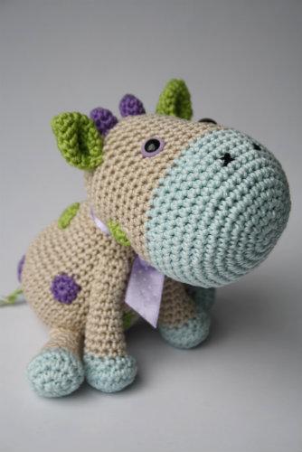 Mini Amigurumi Cow - A Free Crochet Pattern - Grace and Yarn   500x334