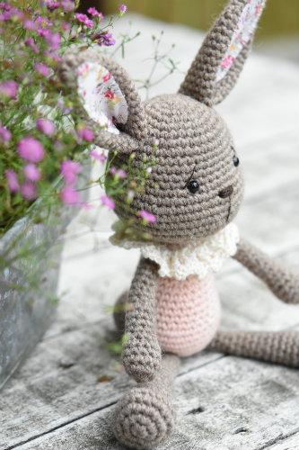alpaca yarn bunny crochet (1)