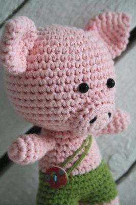 free-amigurumi-pattern-little-pig-2