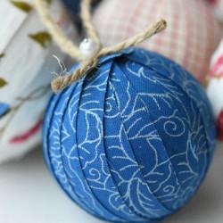 fabric-covered-christmas-balls-2