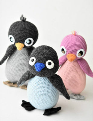 crochet amigurumi penguin toy