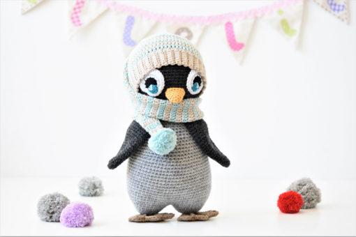 pompom hat penguin amigurumi pattern