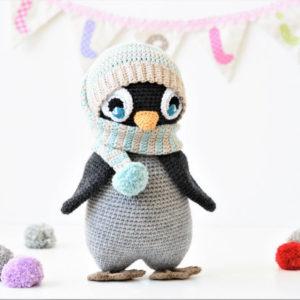 amigurumi penguin crochet pompom hat