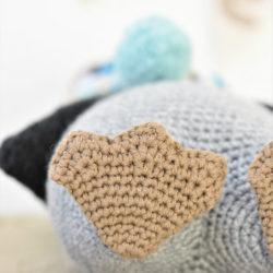 pompom hat penguin amigurumi pattern (9)