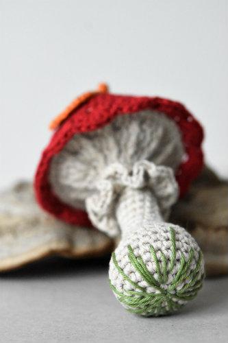 amigurumi baby mushroom rattle (3)
