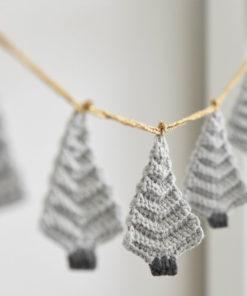 crochet scandinavian style christmas garland