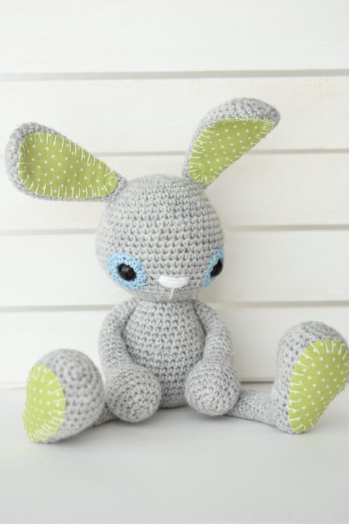 crochet bunny sitting