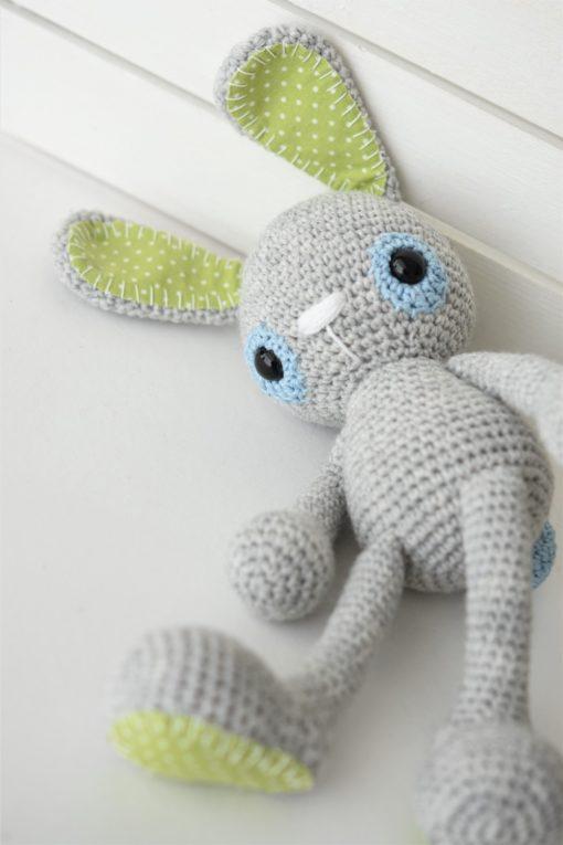 amigurumi bunny lying