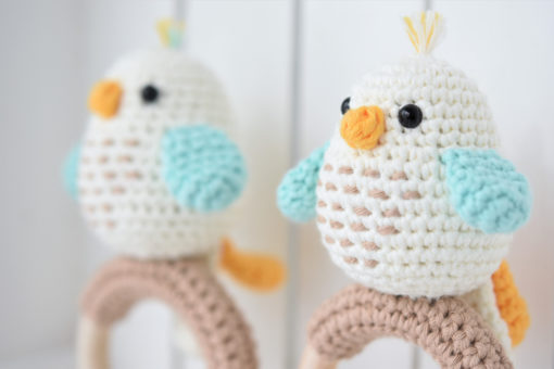 amigurumi bird rattle