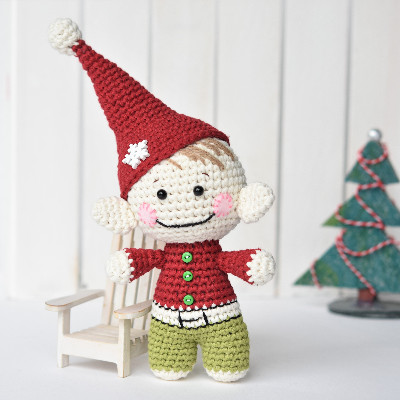 amigurumi little christmas elf