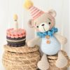 amigurumi birthday bear with a cake