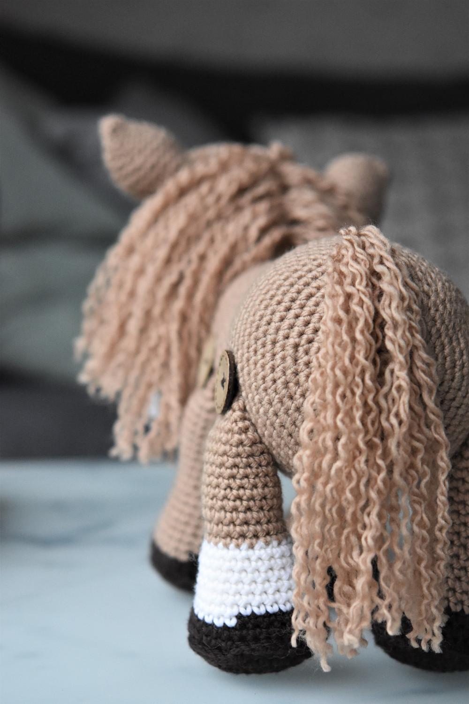 amigurumi pony tail