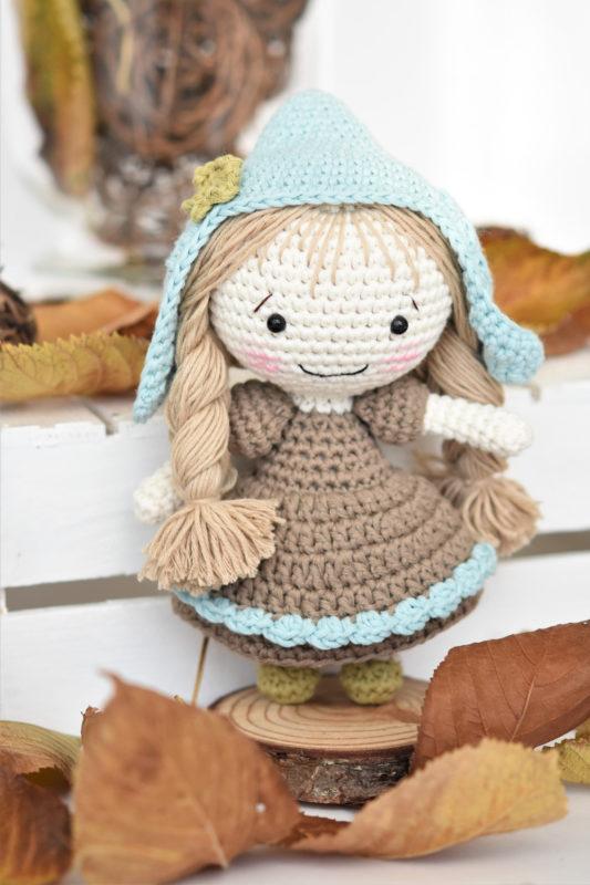 thumbelina inspired crochet doll