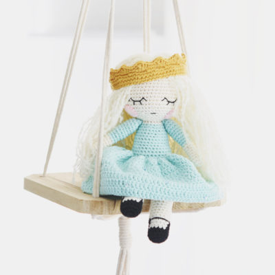 amigurumi princess doll