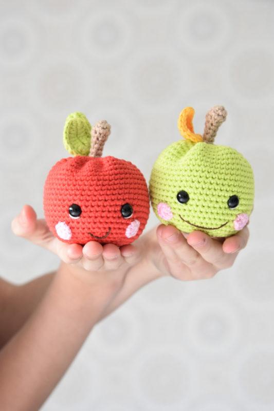 amigurumi happy apple rattle