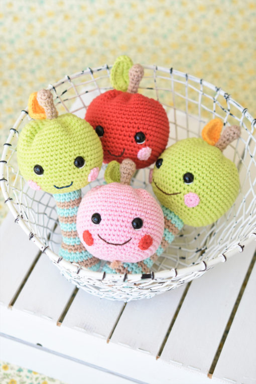 amigurumi pattern happy apple rattle