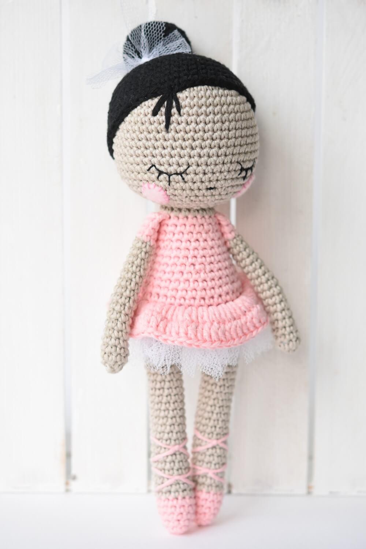 amigurumi ballerina doll