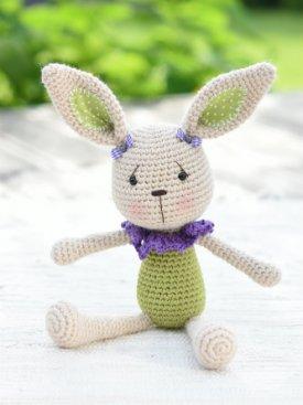 Lace collar bunny